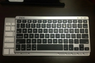 Apple Bluetooth Keyboard とサイズ比較